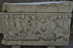 Sarcophage avec une scène de chasse au sanglier en Calédonie, 225-250, Musée archéologique, Zrinsko-Frankopanska, Split, comitat de Split-Dalmatie, Croatie.