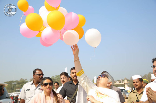 Releasing the balloons by Mohini Ahuja Ji, A symbol of touching the heights