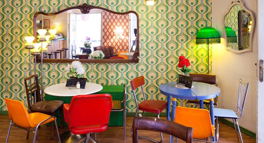 Restaurant in Malasaña, Madrid: Lolina Vintage Café | Mooistestedentrips.nl