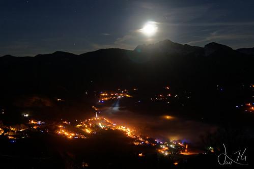 Levé de Lune sur Onnion vu de Bellevouarde