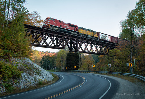 vtr vermont rail 432 gmrc green mountain railroad company 263 freight train sd70m2 locomotive rails emd bridge trestle vt cuttingsville river shade sunset fall autumn color red yellow road highway