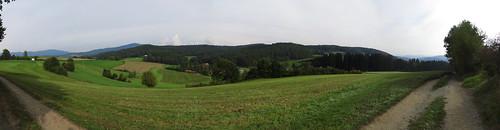 20170928 01 644 ostbay Berge Feld Wald Wiese Herbst Bäume Hütte Weg_P01