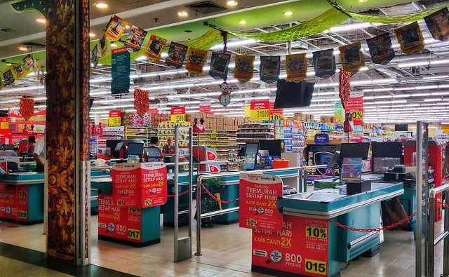 Carrefour, Sunset Road, Kuta