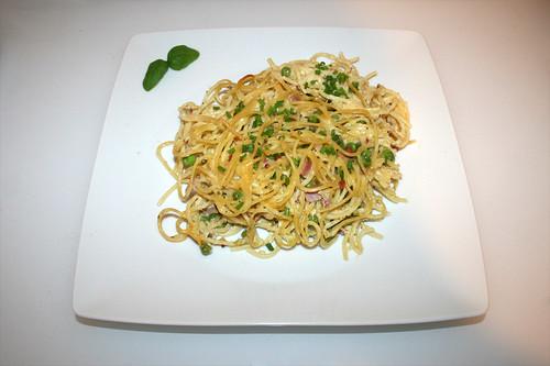34 - Spaghetti ham casserole with yoghurt sauce - Served / Spaghetti-Schinken-Auflauf mit Joghurtguss - Serviert