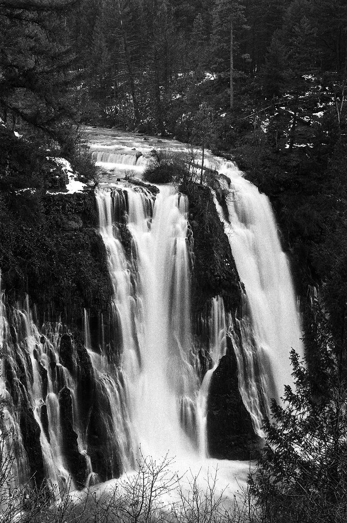 burney-falls_76710014