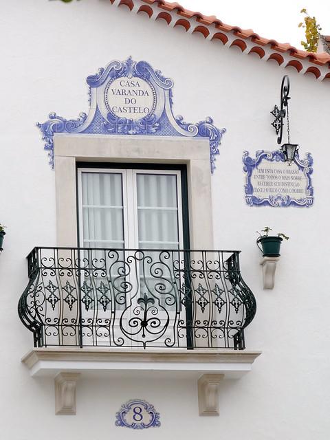 Casa. Balcón y Azulejos (Ourém, Portugal)