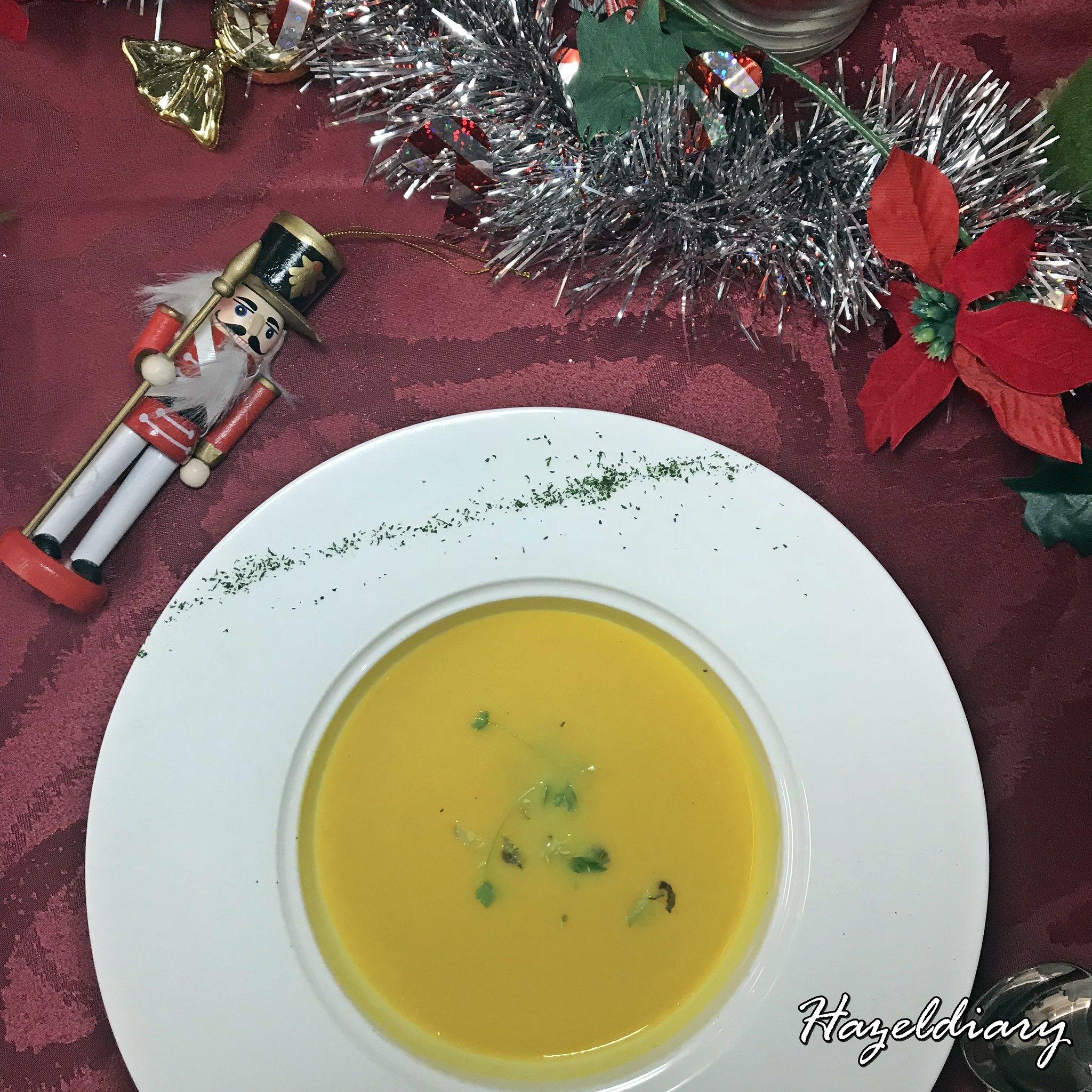 Mercure Bugis Hotel Christmas Circus Santa-Pumpkin Soup
