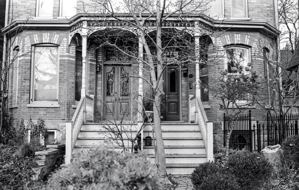 Amelia St. Semi Front Porch