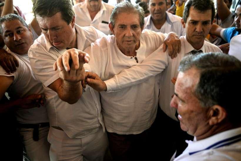 Foragido, médium João de Deus se entrega à polícia em Goiás, Joao de Deus