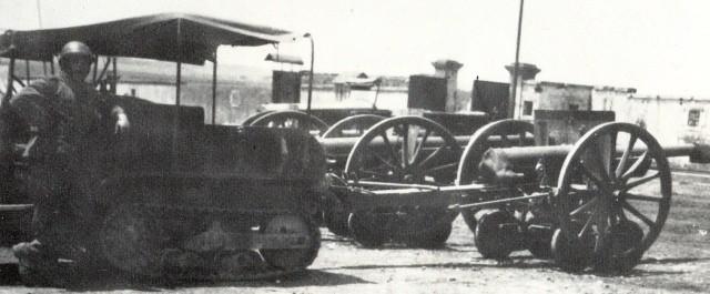 Trailer-Citroen-Kegresse-P17-tows-75mm-M1897-gllj-1