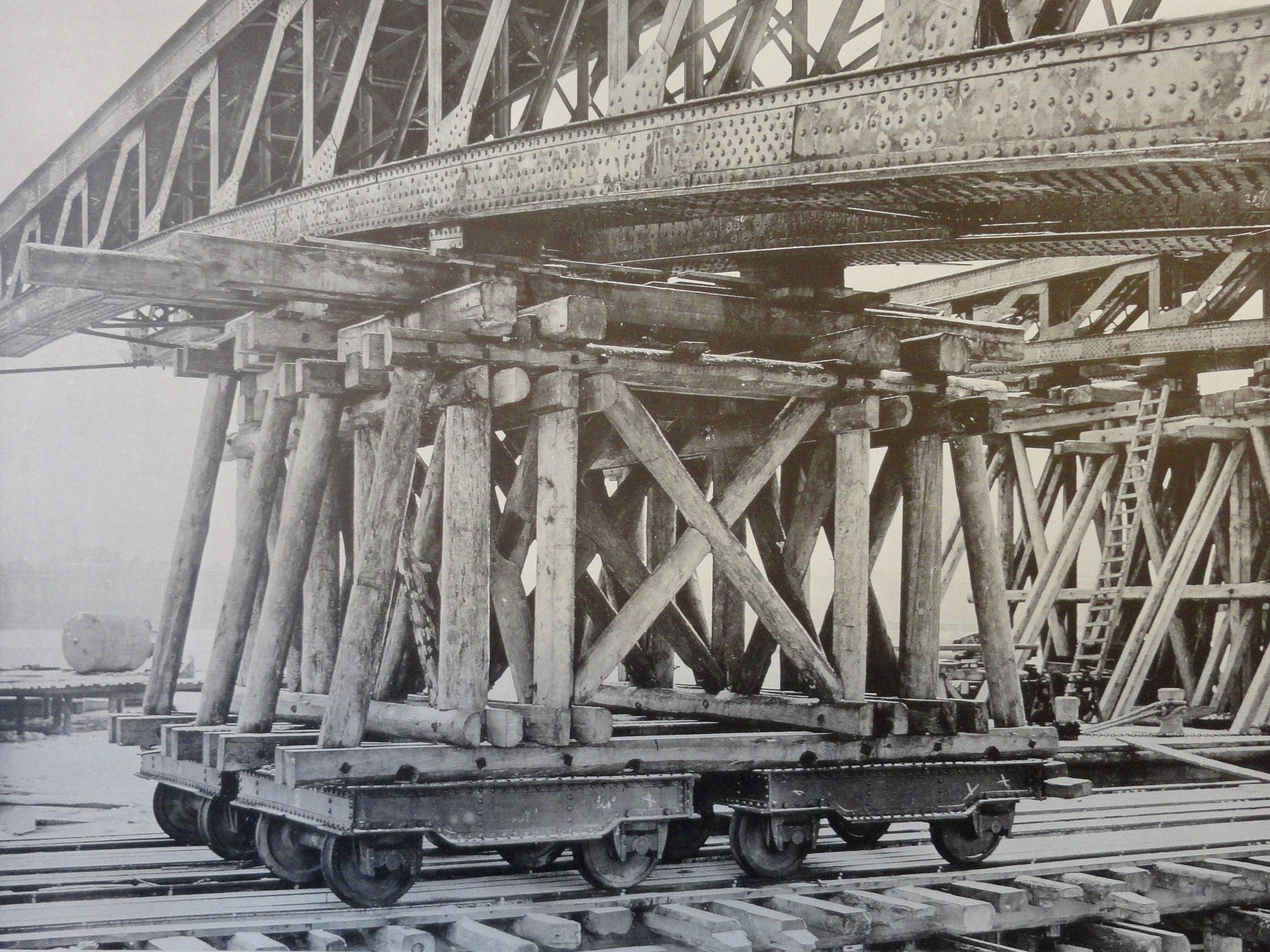 1900. Высокие тележки для перевозки арочных ферм. 12 декабря