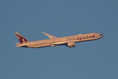 EGLL - Boeing 777 - Qatar Airways - A7-BEW