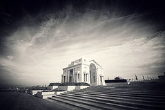 Villers-Bretonneux Australian National Memorial, #Somme, #France; #insta_bw #monochrome #bw #blackandwhite #blackandwhitephotography #bnw #bnw_captures #bnwlas #world_bnw #instablackandwhite #blackwhite #bnwphotography #france #villersbretonneux #australi - Photo of Heilly