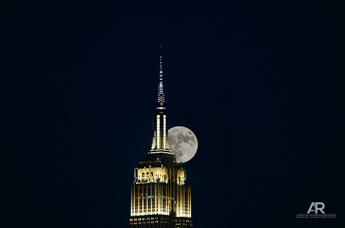 The Empire State Building dueing the Super Moon.