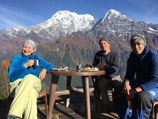 144_bis_Nepal_ott2018_MardiHimal_colazione