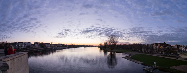Sonnenuntergang-Neckarwiese Panorama