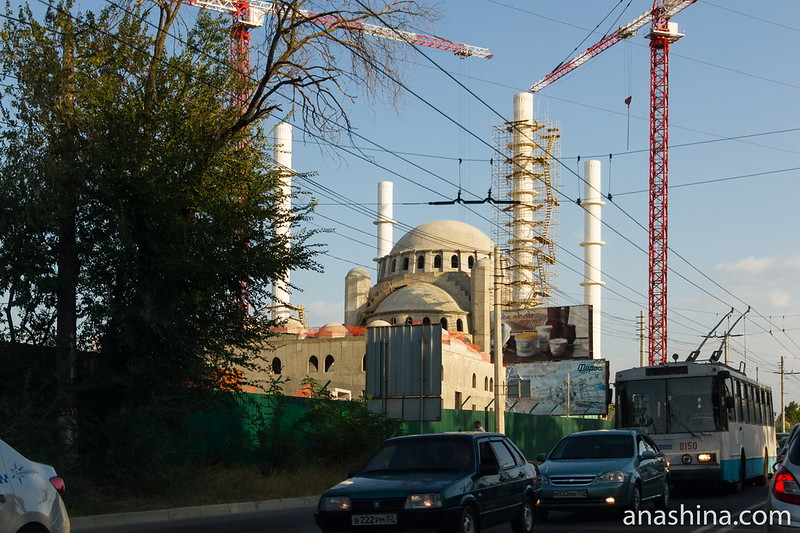 Строящаяся соборная мечеть в Симферополе, Крым
