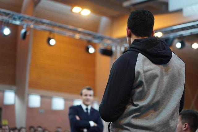 Grand débat national: les jeunes échangent avec le président de la République et les ministres