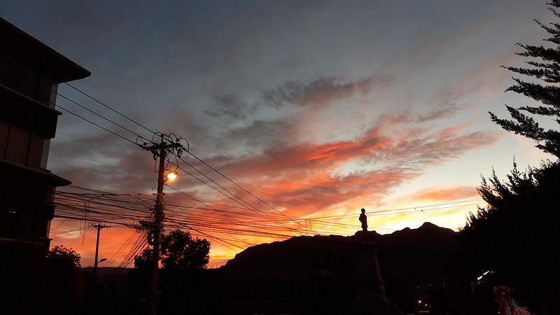 otro atardecer de fuego en La Paz