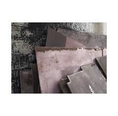 Concrete and steel.  ( Navarra )