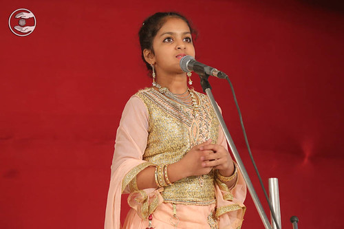Devotional song by Baby Mansi Viya from Jodhpur RJ