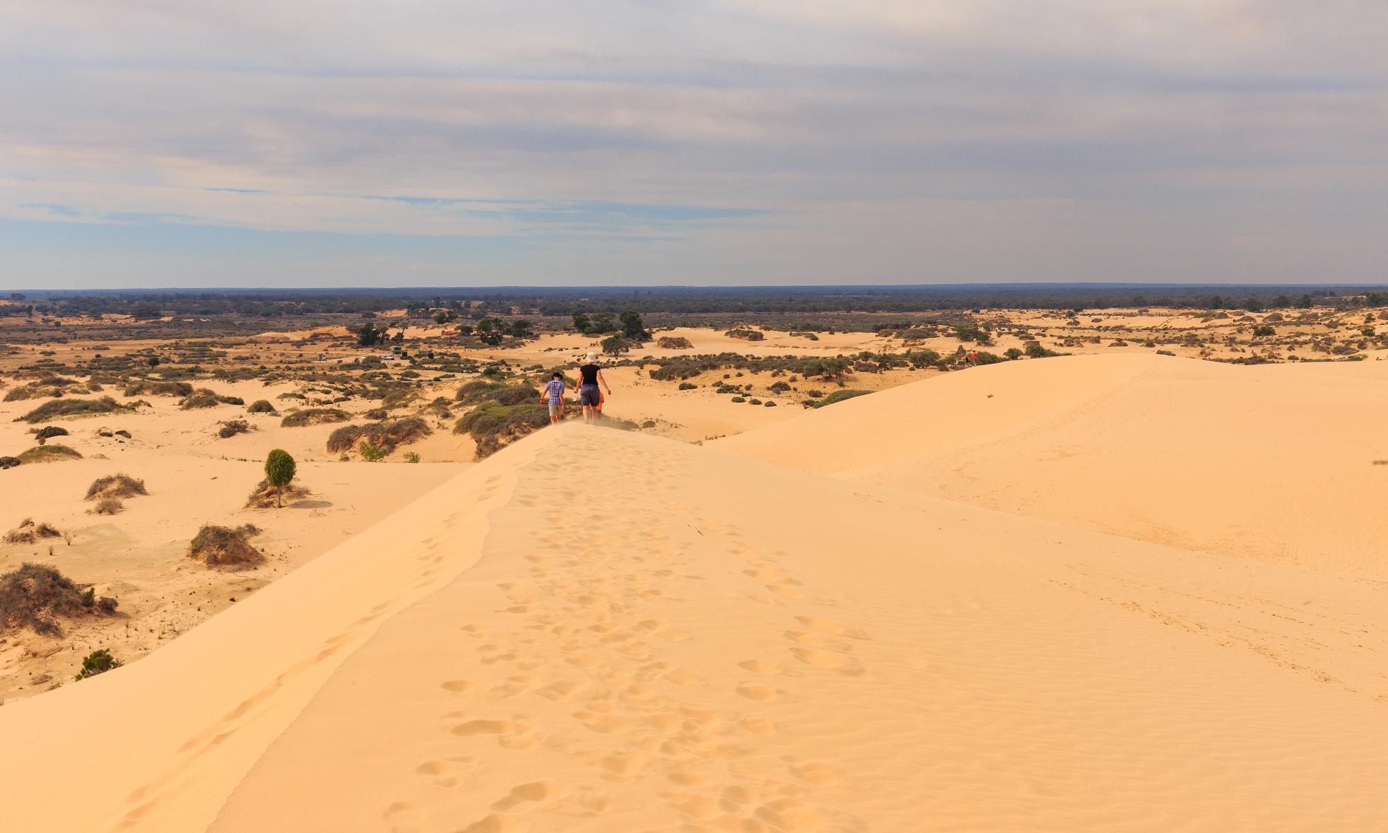 people-sand-dunes