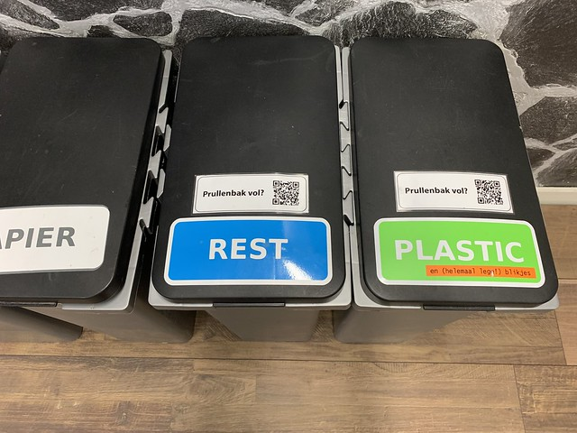 Revspace trash bins