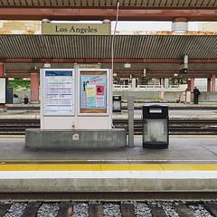 洛杉磯都會的鐵路總站,雖然聯合車站說是匯聚多條國鐵、地鐵及公車站,普及率並沒有如中日韓那麼高,人流自然少,就連地鐵的班次也很疏落(對香港人來講),畢竟駕車才是王道啊。 【浪游旅人】https://ift.tt/1zmJ36B #backpackerjim #railway #station #union #unionstation #losangeles #usa #america