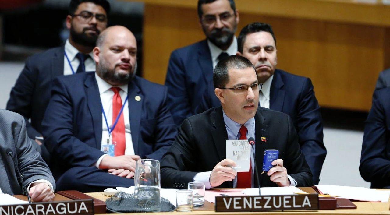 Canciller Arreaza: Venezuela está con su Constitución y la Carta de las Naciones Unidas