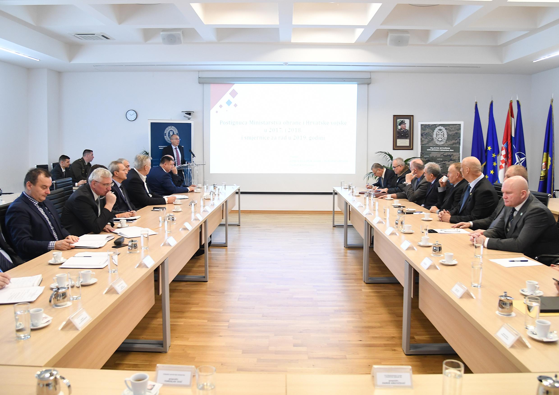 Ministar Krstičević s članovima Hrvatskog generalskog zbora