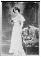 Olga Desmond (LOC)