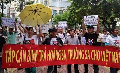bieutinh_chong_trungcong02