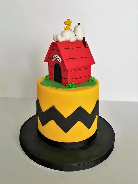 Cake by McKenna's Cakes