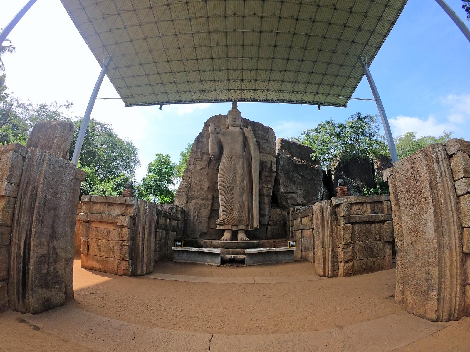 Aukana, la estatua de Buda más alta de Sri Lanka buda de aukana - 46728901592 927bcbd11b h - Buda de Aukana, la estatua de Buda más alta de Sri Lanka