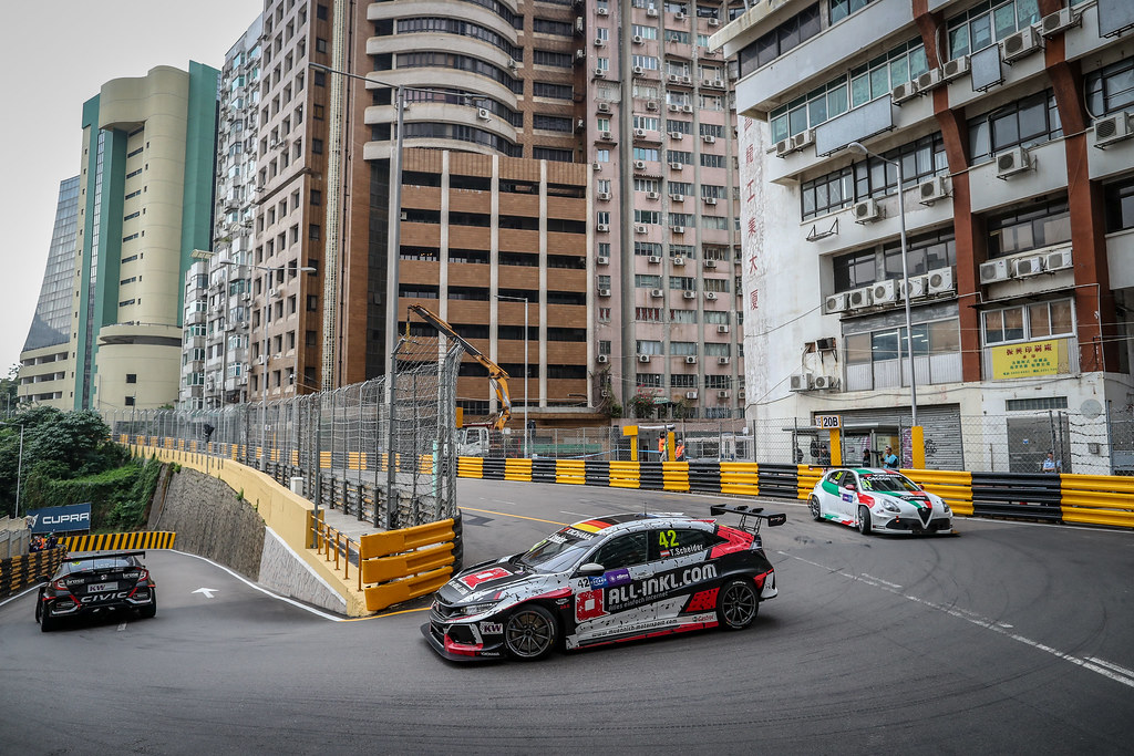 42 SCHEIDER Timo, (aut), Honda Civic TCR team ALL-INKL.COM Munnich Motorsport, action during the 2018 FIA WTCR World Touring Car cup of Macau, Circuito da Guia, from november  15 to 18 - Photo Alexandre Guillaumot / DPPI