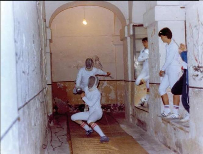 Convento de San Gil en su etapa como Escuela de Esgrima. Archivo Cortes de Castilla-La Mancha