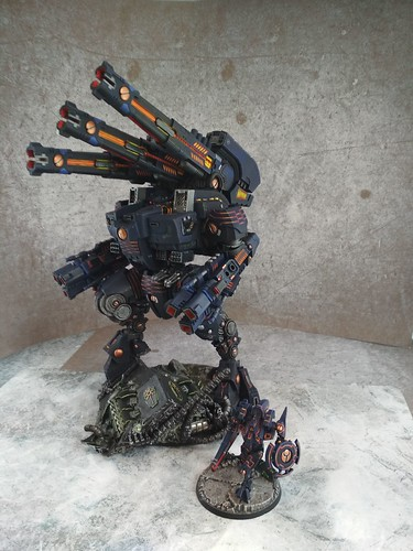 KX139 Taunar Supremacy Armour with Battlesuit Commander00011
