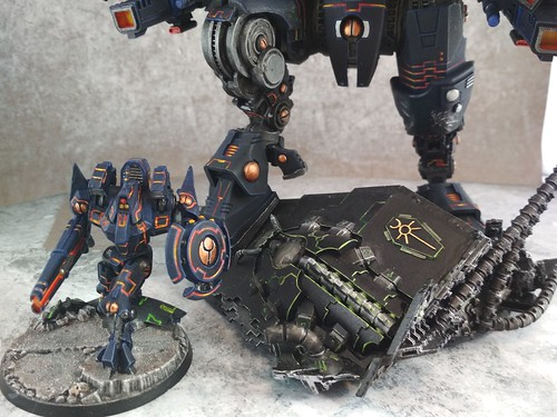 KX139 Taunar Supremacy Armour with Battlesuit Commander00015