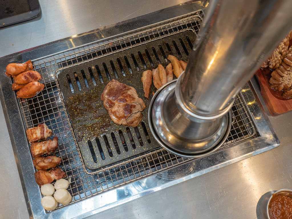 Apple Samgyupsal's BBQ Pit with big BBQ smoke exhaust