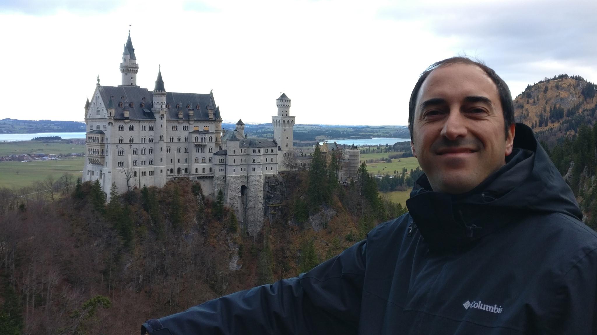 Splendid picture of the Neuschwanstein Castle from Marienbrucke