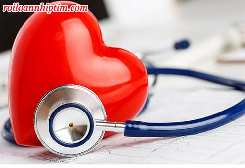 Sử dụng thuốc cùng với lối sống tích cực và kết hợp thêm sản phẩm hỗ trợ sẽ giúp nhịp tim ổn định lâu dài