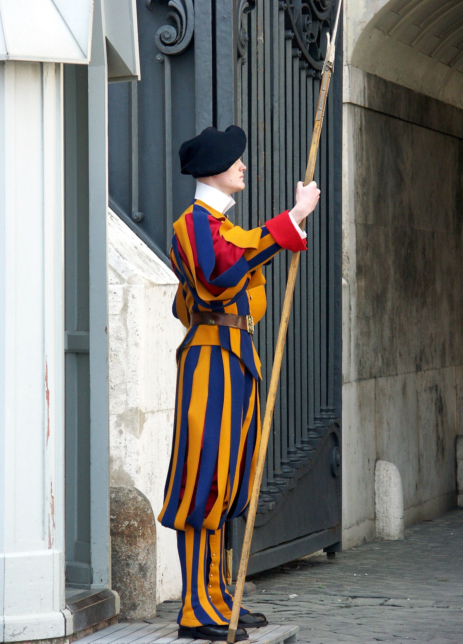 A member of the Pontifical Swiss Guard with halberd. Photo taken by <a href=