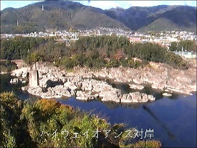 吉野川ハイウェイオアシス対岸ライブカメラ画像. 2018/11/15 14:12