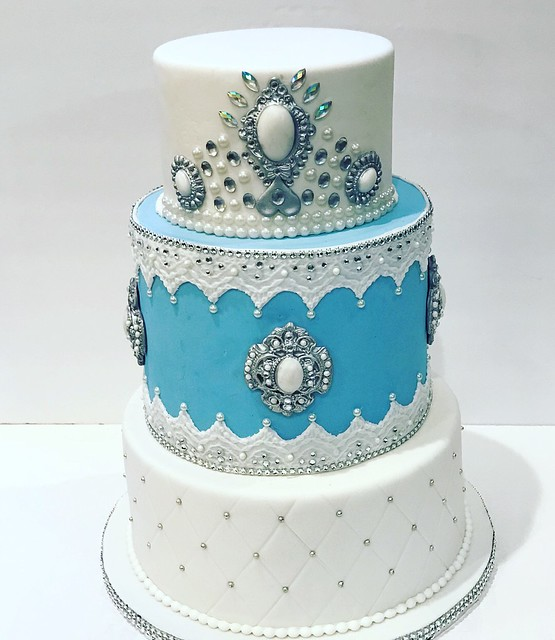 Cake by Maria Galan
