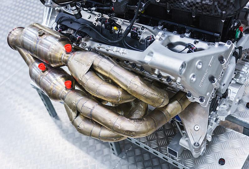 2c49695c-aston-martin-valkyrie-v12-engine-12