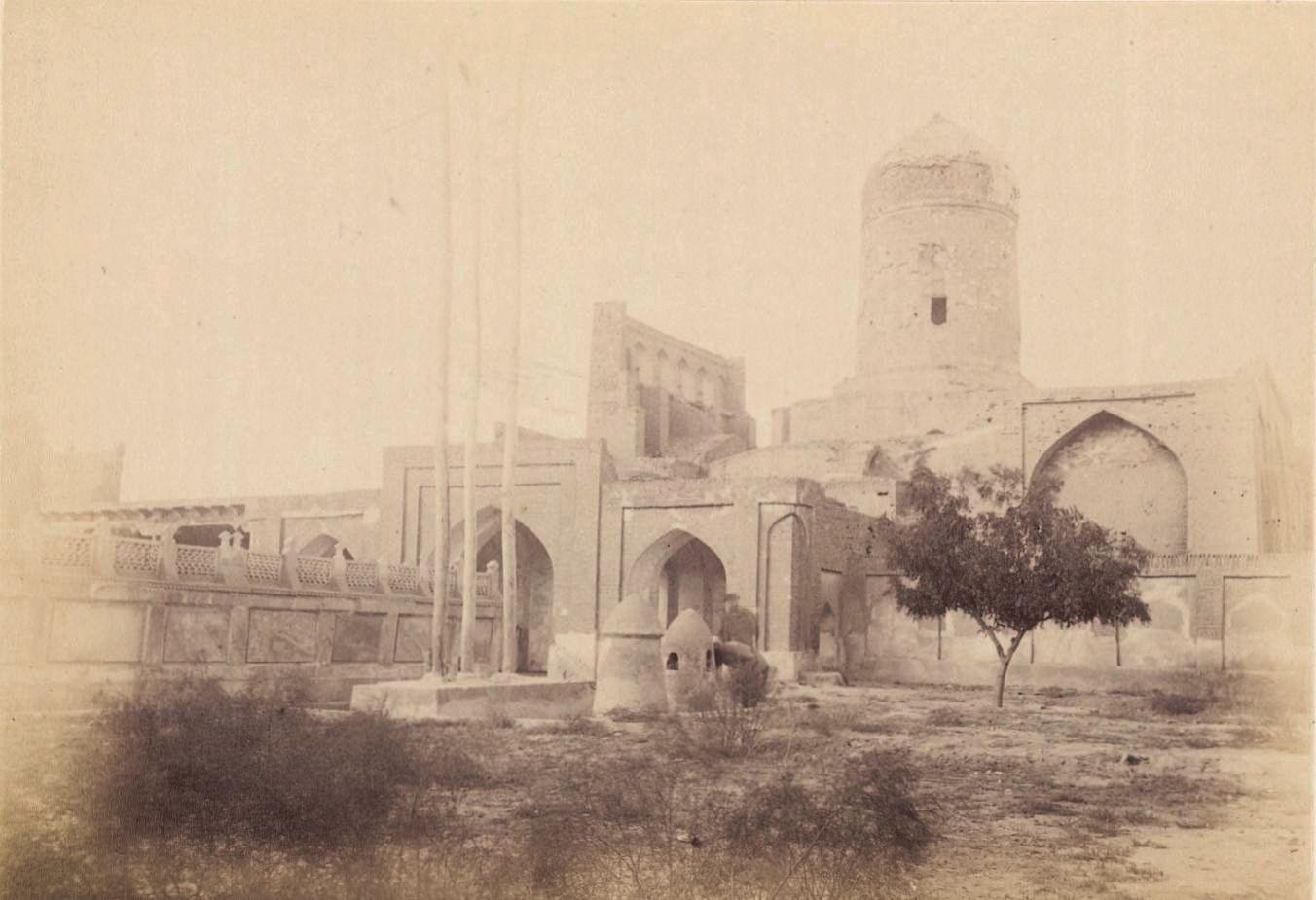 09. Кермин. Мечеть с могилами святых