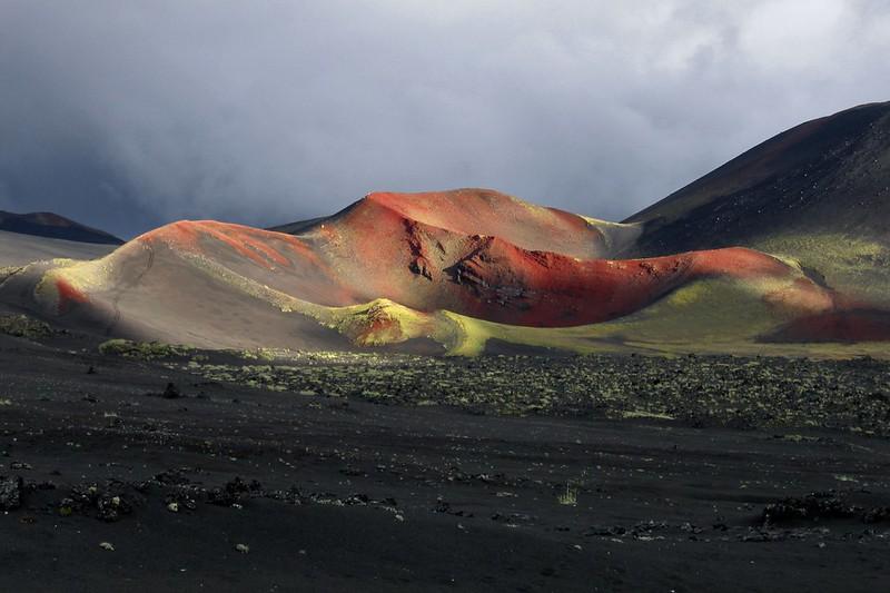 Красный конус на Толбачике, Камчатка