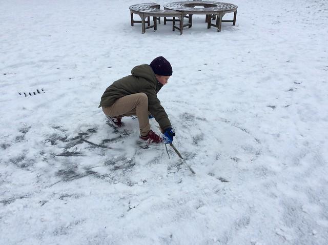 Klas 4: Joepie juf! Het Sneeuwt!