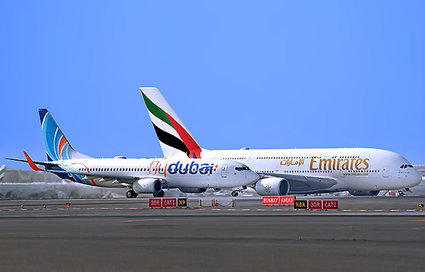 Emirates A380 y flydubai B737-800 (Emirates)