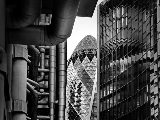 the gherkin between ..., Panasonic DMC-GX8, LUMIX G VARIO 14-140mm F3.5-5.6